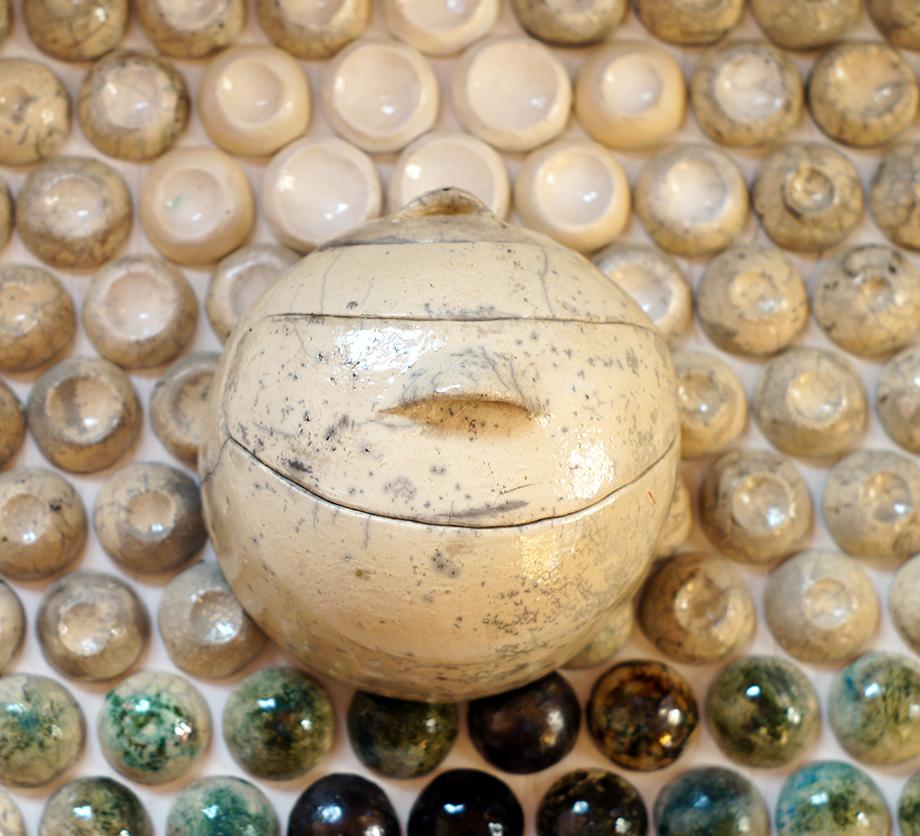 Az egyedi dekorcsempékhez további kerámia kiegészítők is kérhetők